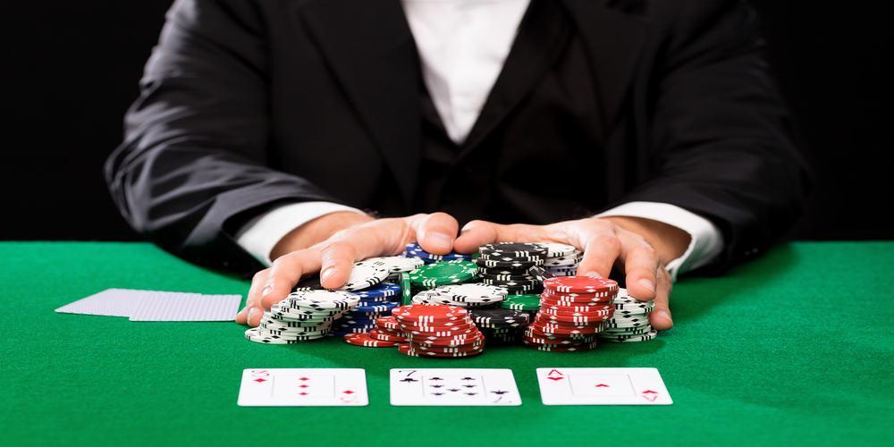 Macau Gambling Investment Rises Despite Flat Revenue
